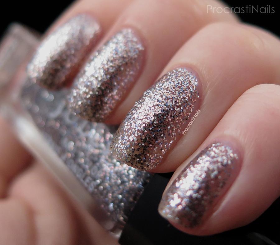 Swatch of the platinum glitter Julep Chatoya