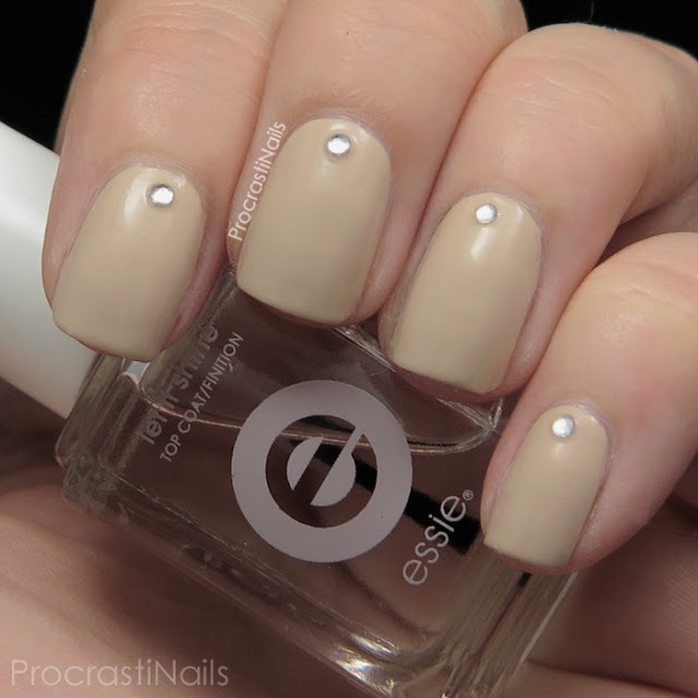 Simple nude bridesmaid nails with rhinestones